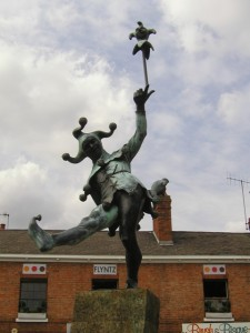 Jester statue honoring Shakespeare in Stratford