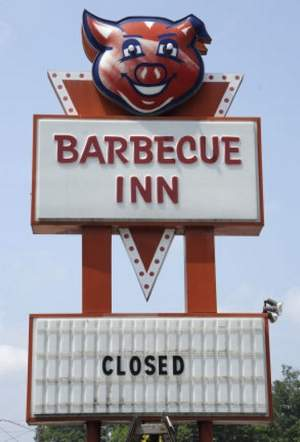 Farewell, Barbecue Inn, with your Brunswick stew straight from heaven and your iconic 'blinky pig' sign...